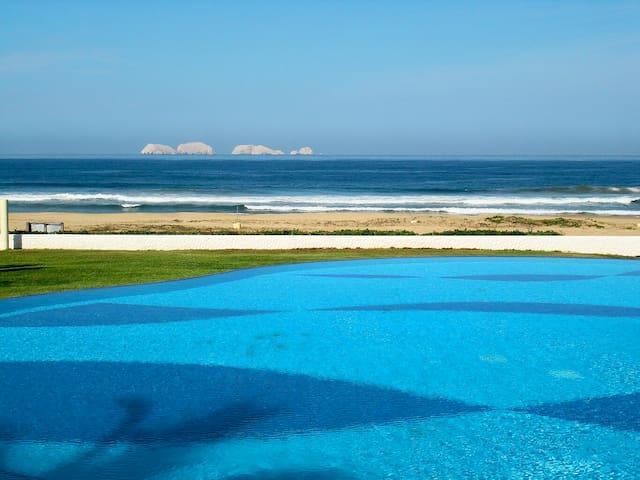 Beautiful Beachfront  Villa - Ixtapa-Zihuatanejo - Hus