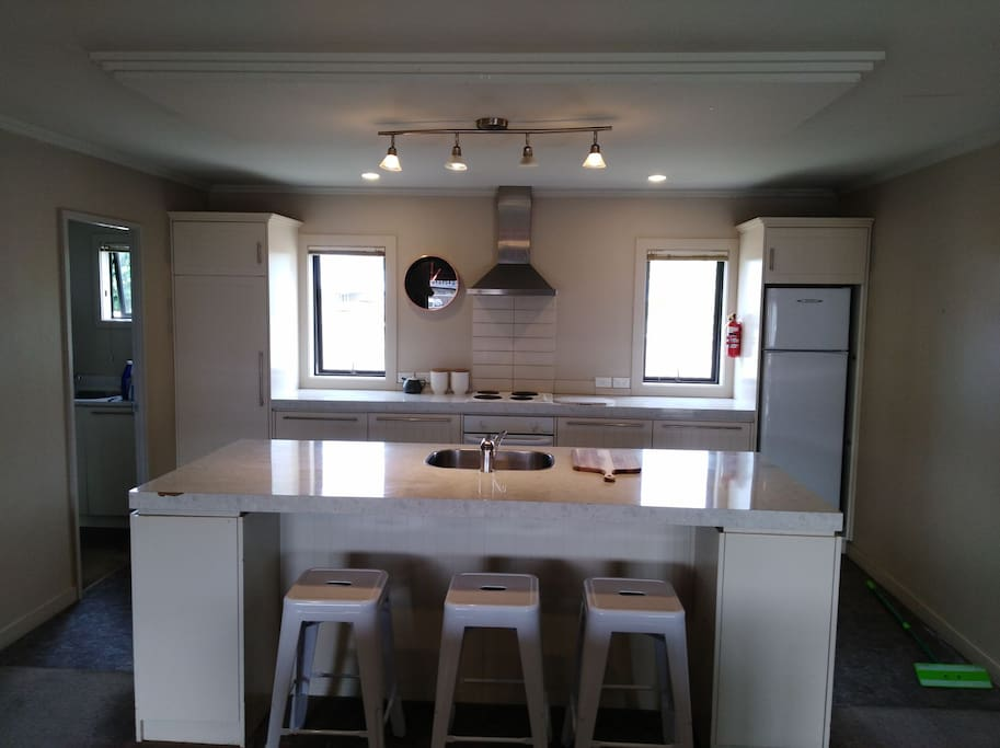 Kitchen with breakfast bar