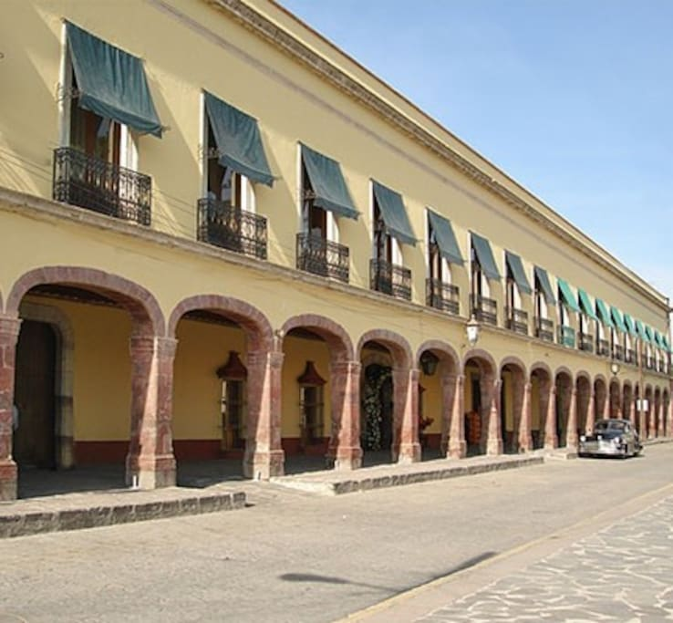 Appartment In 19th Century-Hacienda