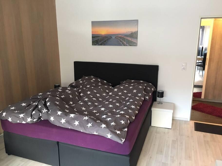 neu renovierte ferienwohnung in willingen condos zur miete in willingen upland hessen. Black Bedroom Furniture Sets. Home Design Ideas