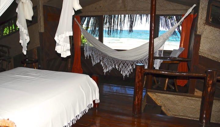 Suíte com vista panorâmica da praia em Itacaré