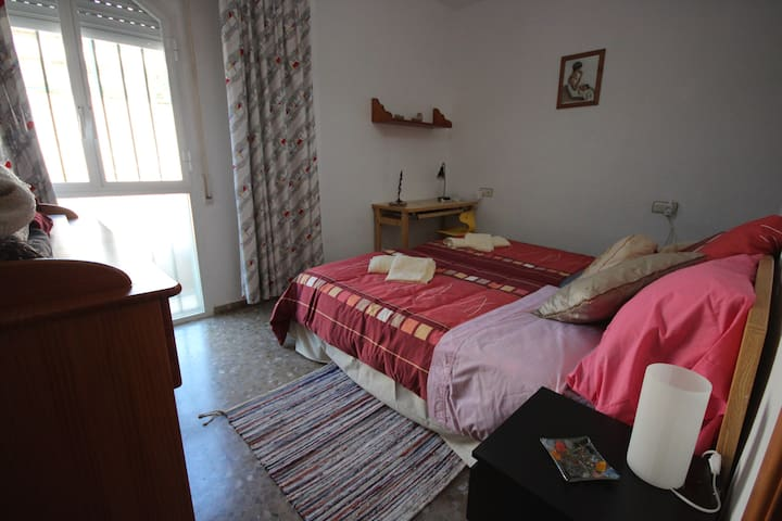 NICE BEDROOM NEAR THE BEACH - Rincón de la Victoria - Kondominium