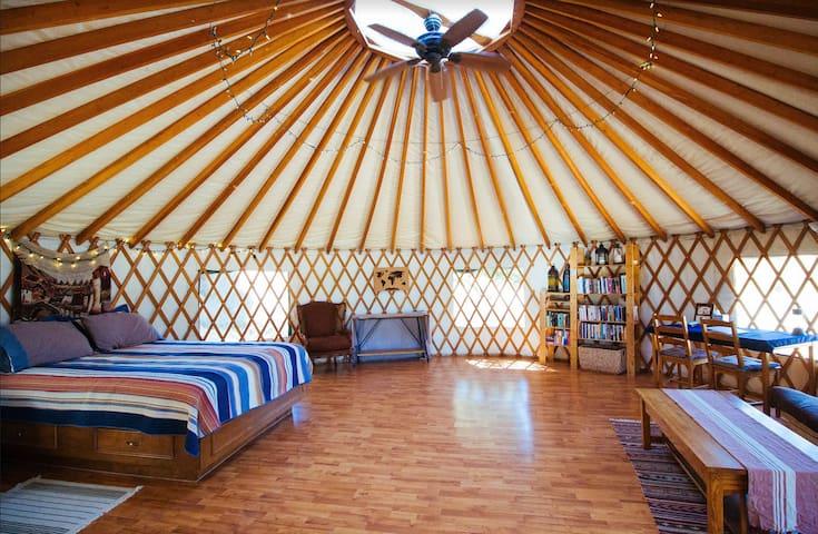 Tierra del Cielo Farm ~ yurt