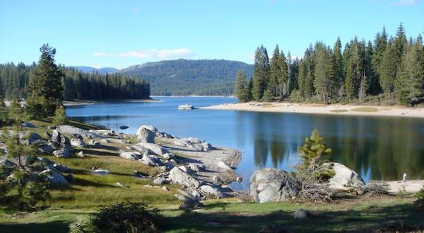 Cozy Mtn. Cabin, Shaver Lake, CA. - Shaver Lake - Kabin