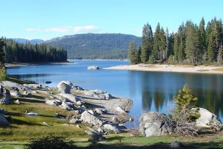 Cozy Mtn. Cabin, Shaver Lake, CA. - Shaver Lake