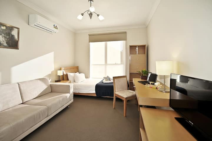 Executive Room with Private Bathroom  in Brunswick