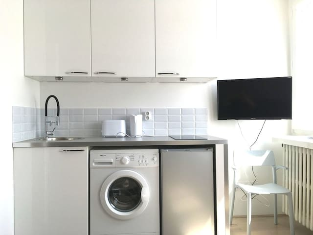 Equipped kitchenette