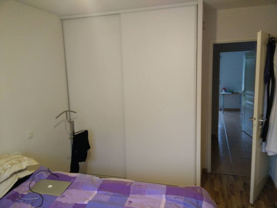 Double room ornex near geneve aerop appartements louer for Ornex carrelage 01