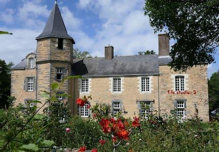 Studio au château de la Cineraye
