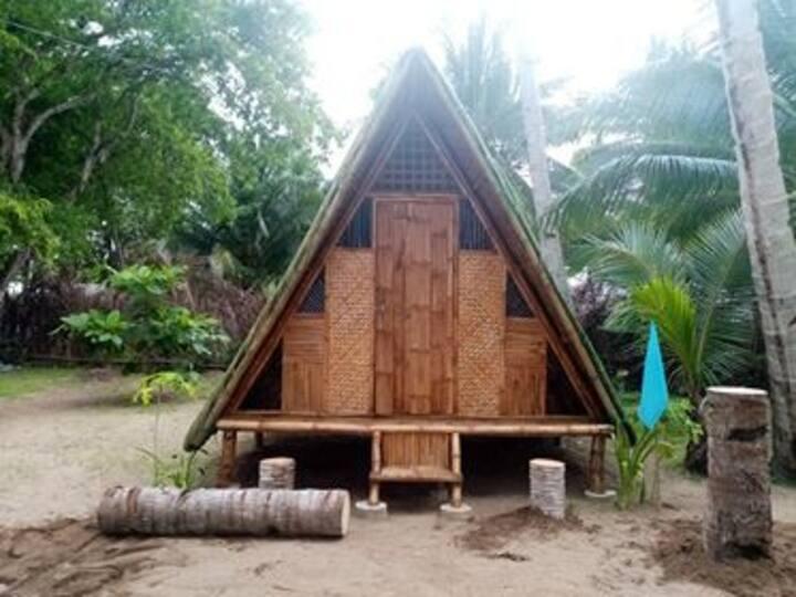 Levine beach camp Beach bamboo hut with fan 2