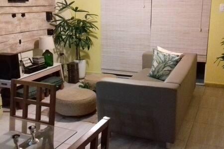 Casa estilosa (inteiro) em Rio das Ostras/RJ