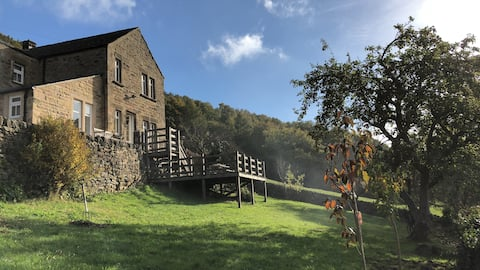 Cosy cottage, stunning views near Chatsworth