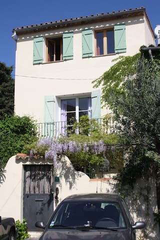 Pretty village house with garden - La Garde-Freinet