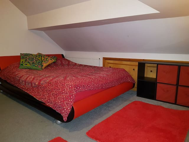Comfy double room in Cambridge, Stapleford