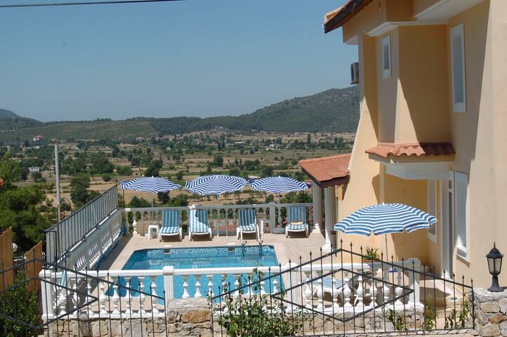 Large Child-Friendly Holiday Villa - Fethiye