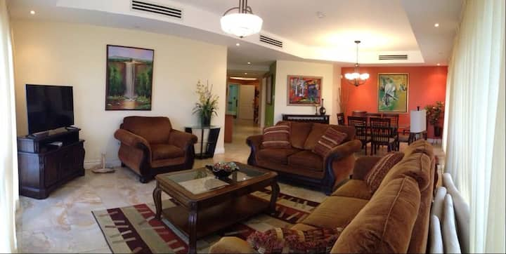 Fully Furnished Condo 3 Bedroom 2.5 Bathrooms