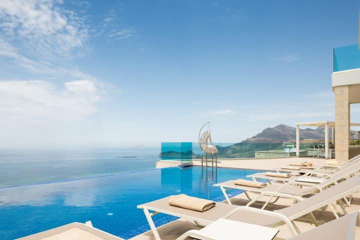 Elegant Villa for 7 overlooking Phalasarna Beach
