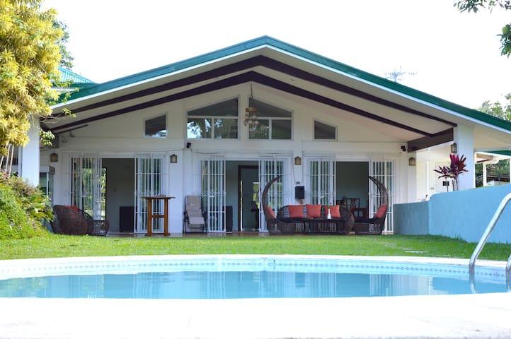 Hacienda Solange - Tagaytay - Villa