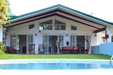 Hacienda Solange - Tagaytay