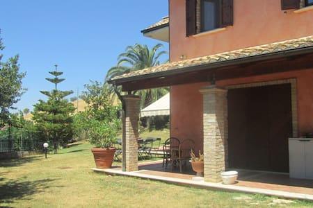 prestigiosa villa a 6 km dal mare - San Benedetto del Tronto