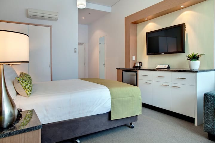 Deluxe Studio Room with Ensuite