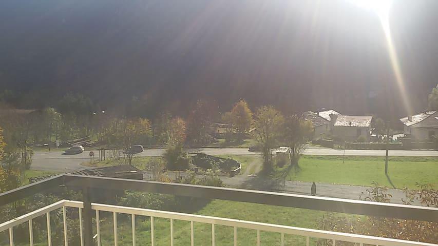 Alloggio vista cascata - Sparone - Apartamento