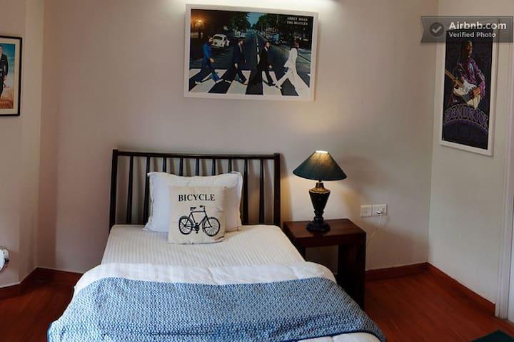 Spacious Room in Villa No.1  (PJ)