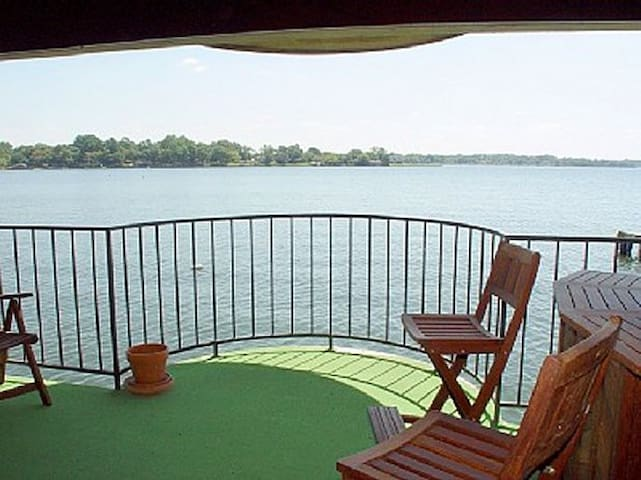 Luxury Waterfront Condo with View!