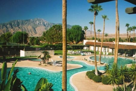 Mission Lakes Country Club Home - Desert Hot Springs - 独立屋
