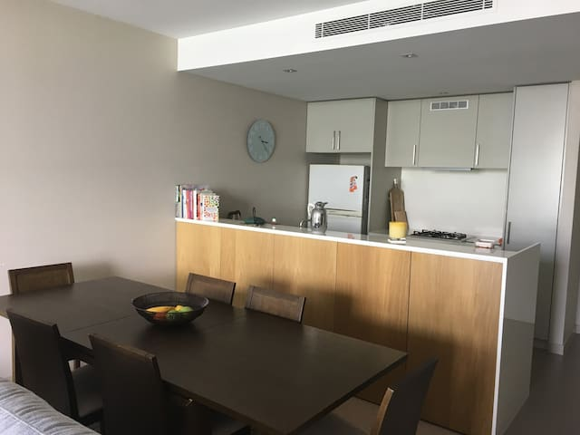 Lindfield modern unit - Lindfield