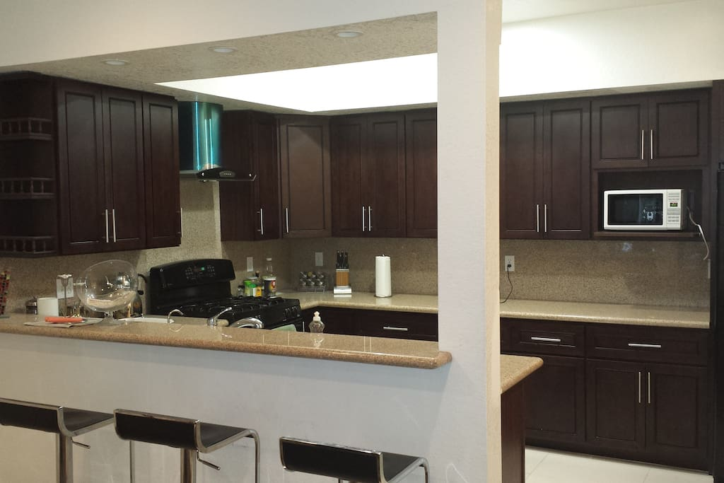 Wonderful,big kitchen with bar and counter