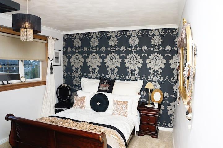 Luxury double room with Superhost