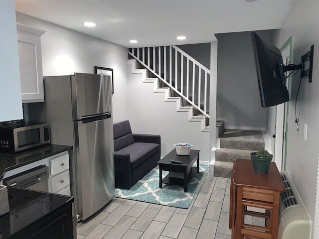 "Luxury Apartment at ""M"" Streets-Lower Greenville"