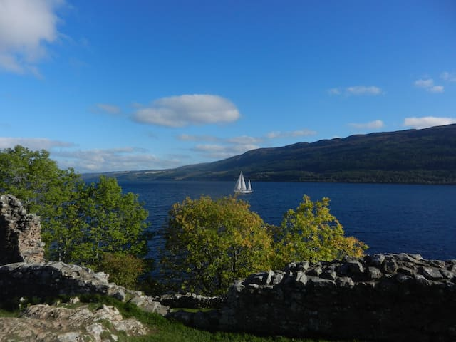 Large double room near Loch Ness. - Drumnadrochit