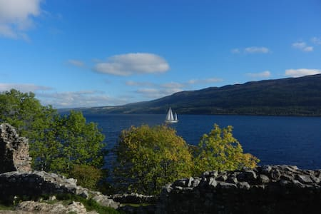 Large double room near Loch Ness. - Drumnadrochit - Bed & Breakfast
