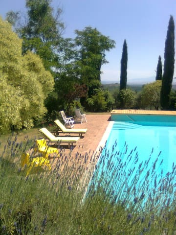 FAMILY AND FRIEND'S HOME IN CHIANTI CLASSICO - Gaiole In Chianti - Huis