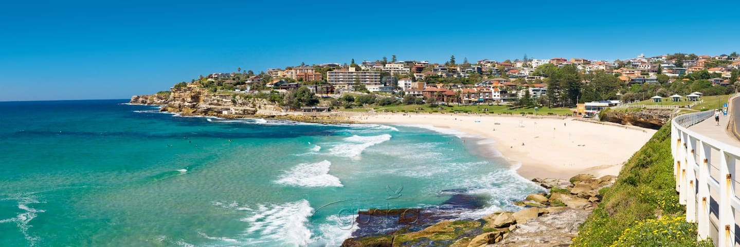 One bedroom flat all to yourself - Bondi