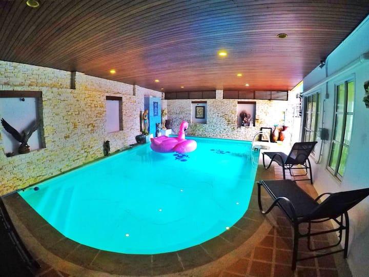 Beautiful 6 bedroom pool villa in Patong Beach