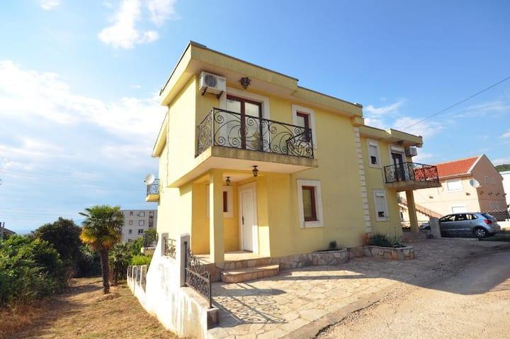 Holiday house Villa Green Garden Utjeha Montenegro