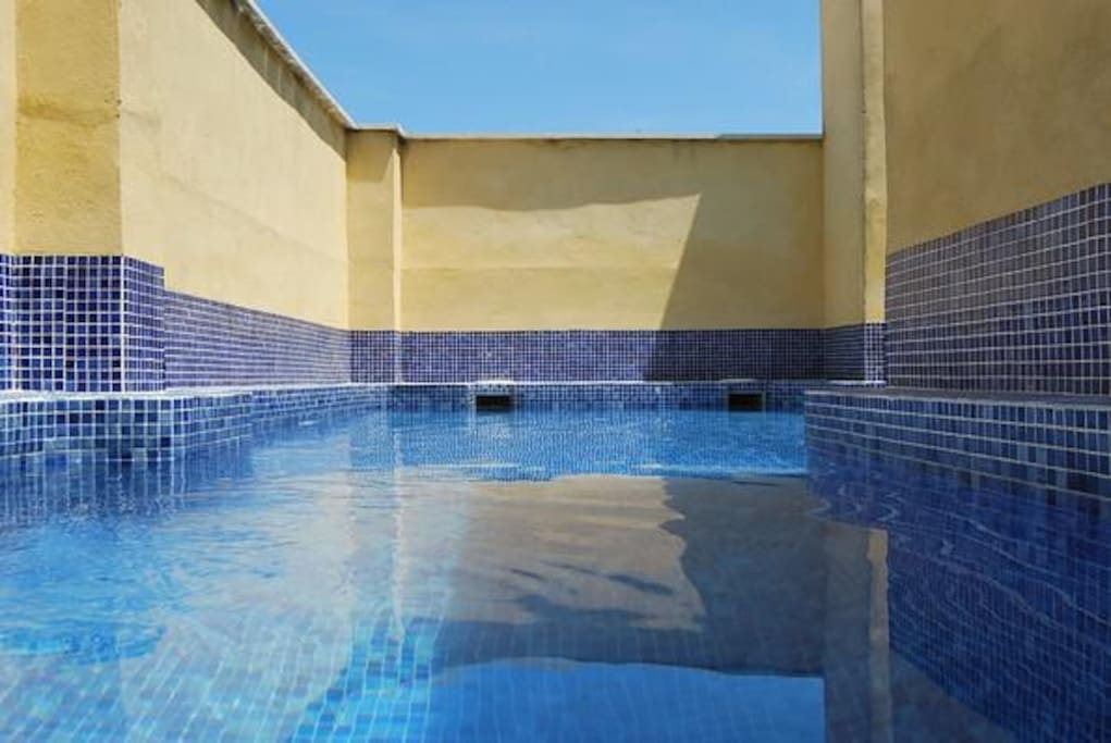 Fant stico tico duplex con piscina apartamentos en - Piscinas palma de mallorca ...