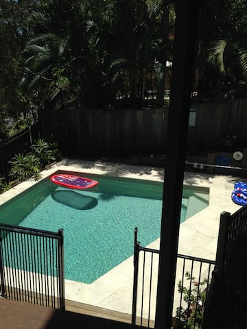 Private room lounge deck and pool