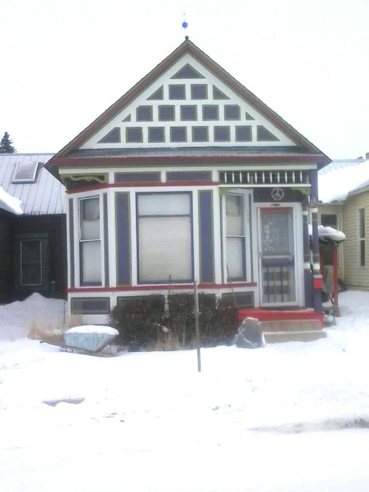 142 W 7th street Historic victorian