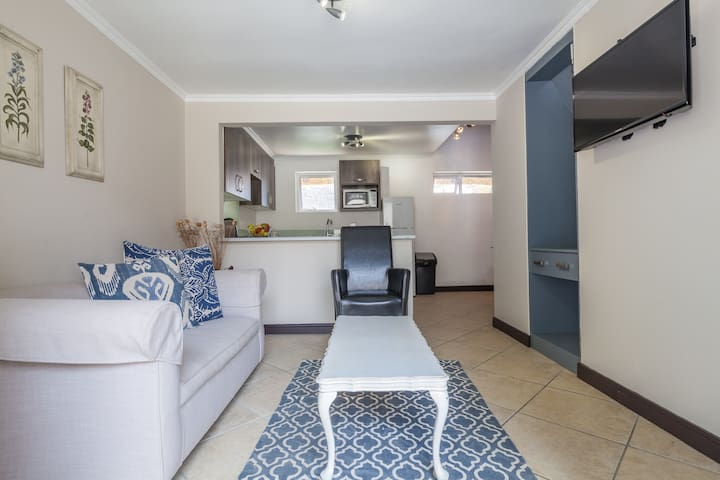 Farm Style Cottage #1 in Fourways, Sandton