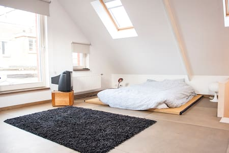 Small loft + private bathroom - Ghent - Appartement