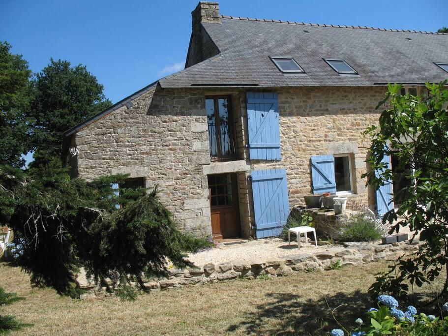 Petite maison au calme houses for rent in treffl an for Au maison oilcloth uk