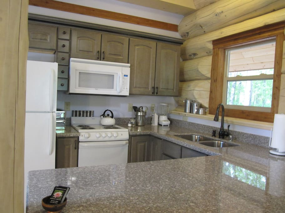 Granite Countertops - Fully equipped, dishwasher stove, microwave (plus laundry room and supplies)