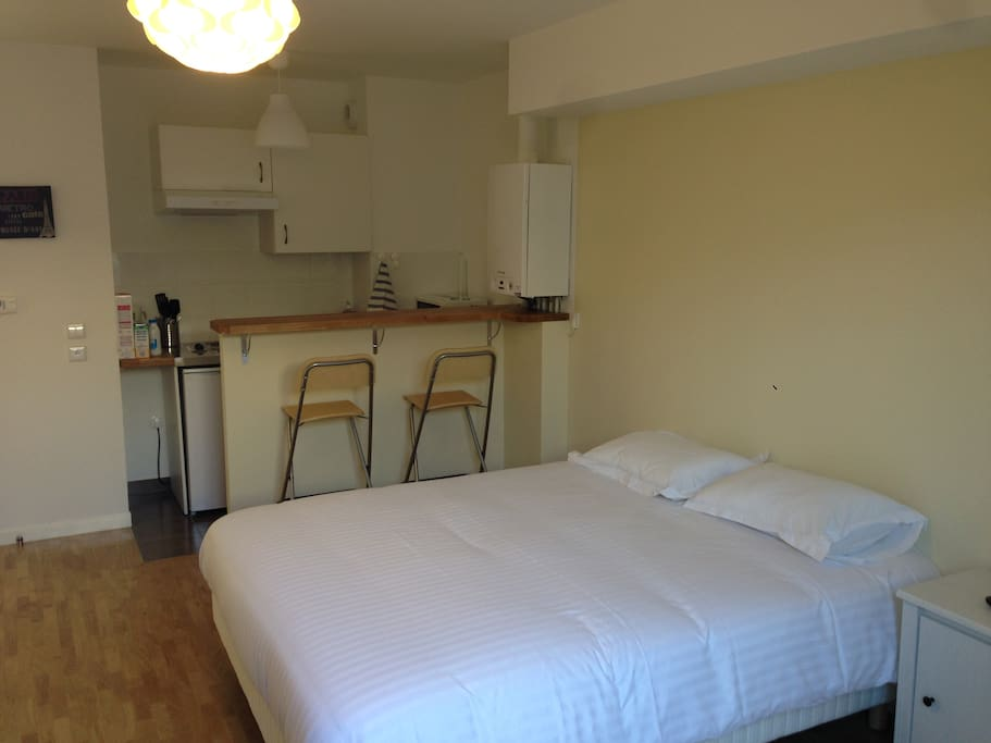 Studio rungis parc icade orly apartments for rent in rungis le de franc - Surmatelas simmons cocooning 160x200 ...