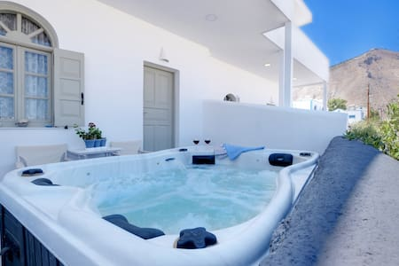 Luxury Vacation Villa  Irene with private juccuzi