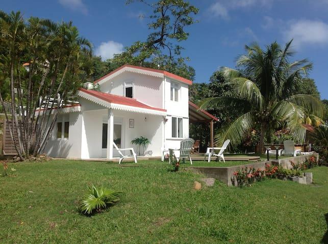 La petite maison - Le Robert - Rumah