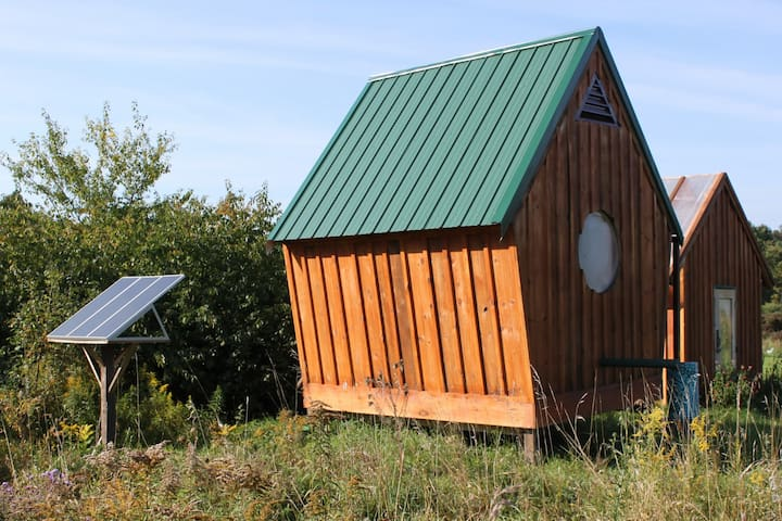 'Birdhouse' Cabin at Better Farm - Redwood - Chatka